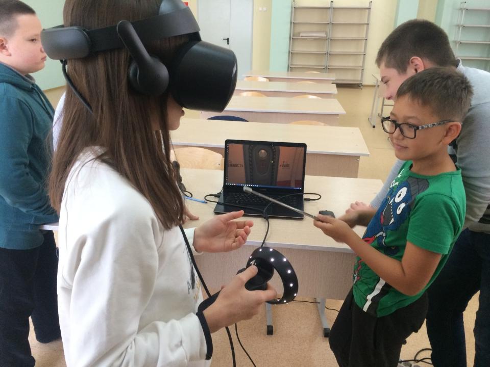 Прошли первые занятия по направлению VR/AR